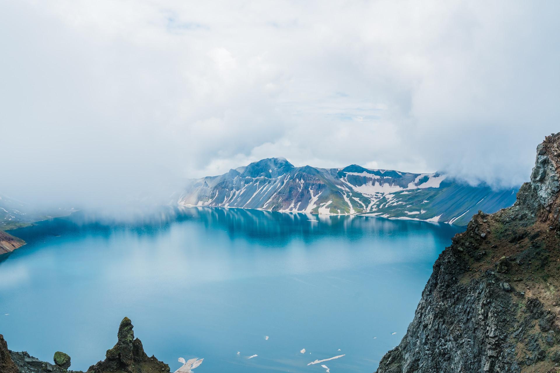 长白山天池自然风光.jpg