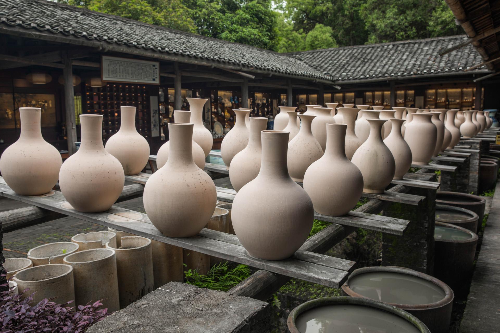摄图网_501318464_banner_古窑花瓶土坯(企业商用).jpg
